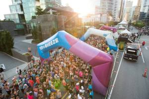 10,000+ runners ready to tackle 13.1 miles (pic from lulu FB page)